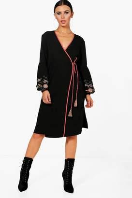 boohoo Petite Embroidered Puff Sleeve Kimono Dress