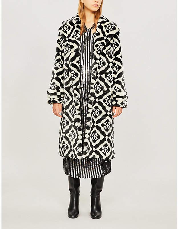 Stokes geometric-pattern faux-fur wrap coat