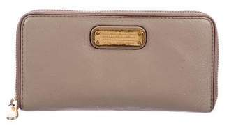 Marc by Marc Jacobs Vertical Zippy Wallet