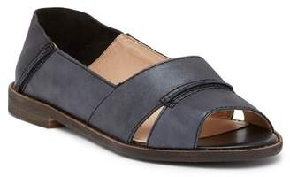 Kelsi Dagger Brooklyn Samantha Collapsible Leather Flat