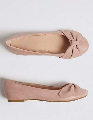 Marks and Spencer Kidsâ Bow Ballerina Pumps (13 Small - 6 Large)