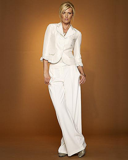 Signature Collection: Pleated Wide-Leg Linen Trousers