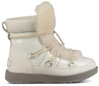 UGG Women's Highland Round Toe Leather & Sheepskin Waterproof Boots