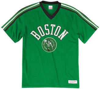 929bf9f2bf4 Mitchell   Ness Men Boston Celtics Overtime Win V-Neck T-Shirt
