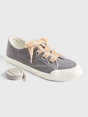 Gap | Tretorn® Marley Velvet Lace-Up Sneakers