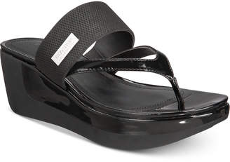 Kenneth Cole Reaction Women's Pepea Cross Sandals Women's Shoes