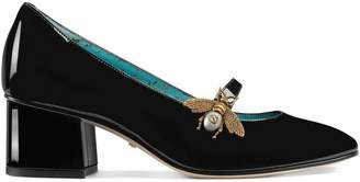 Gucci Bee-shaped decor patent leather mid-heel pumps