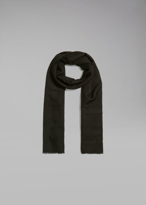 3fc3f04593b at armani.com · Giorgio Armani Scarf In Pure Cashmere With Fringed Edge