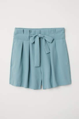 H&M Shorts with Tie Belt - Turquoise