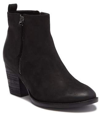 Blondo Vegas Waterproof Leather Ankle Bootie