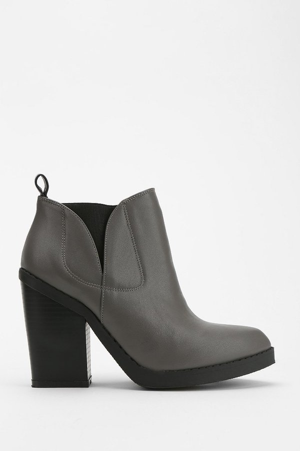 Urban Outfitters Deena & Ozzy Klinger Ankle Boot