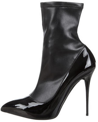 Alexander McQueenAlexander McQueen Leather Pointed-Toe Ankle Boots w/ Tags
