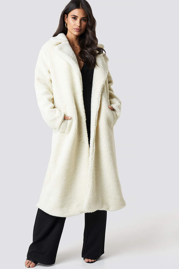 Dilara X NA-KD Teddy Maxi Coat Cream