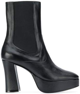 SAM. Nicole Saldaña boots