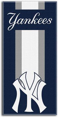 Northwest Company New York Yankees Zone Read Beach Towel