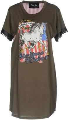 Odi Et Amo T-shirts