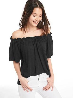 Linen off-shoulder top $29.95 thestylecure.com