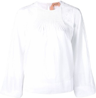 No.21 broderie anglaise blouse