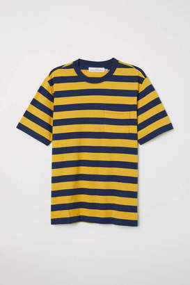 H&M T-shirt with Chest Pocket - Yellow/dark blue stripe - Men