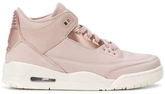 Nike Jordan 3 Retro sneakers