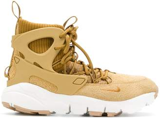 Nike Footscape Mid sneakers