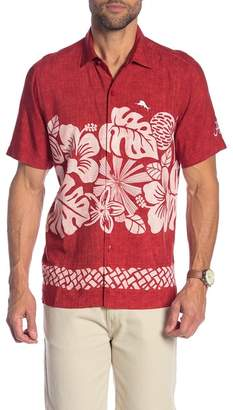 Tommy Bahama Team Sports Collegiate Tiki Patterned Short Sleeve Trim Fit Shirt
