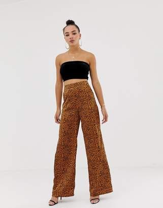 Missguided wide leg trouser in leopard
