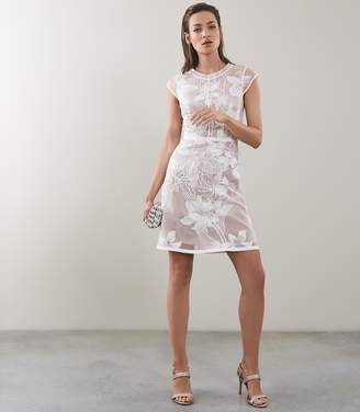 Reiss INES FLORAL EMBROIDERED OVERLAY DRESS White/nude