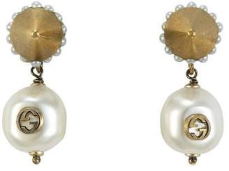 Gucci Interlocking G pearl pendant earrings