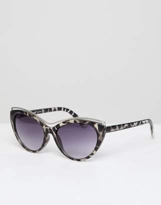 A. J. Morgan AJ Morgan cat eye sunglasses with faded lens in tort