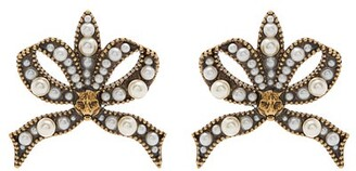 Gucci - Faux Pearl And Feline Embellished Bow Earrings - Womens - Pearl