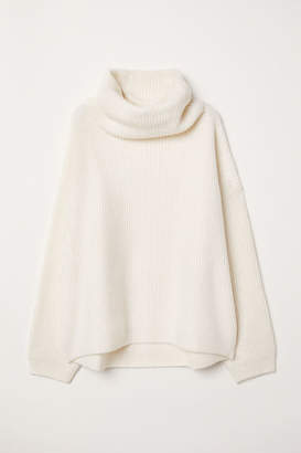 H&M Ribbed Turtleneck Sweater - White