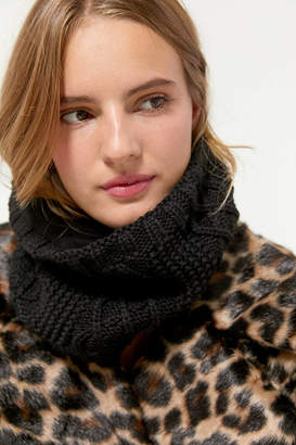 Urban Outfitters Cable Knit Neck Gaiter Scarf
