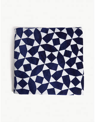 Sunnylife Ladies Dark Blue and White Geometric Print Andaman Round Towel