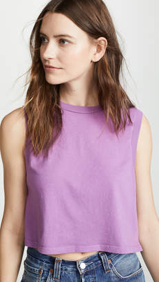A Gold E Agolde Cropped Muscle Tee