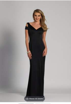 Dave and Johnny Black Classic Gown
