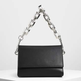 Charles & Keith (チャールズ & キース) - チャンキーチェーンハンドル クロスボディバッグ / Chunky Chain Handle Crossbody Bag