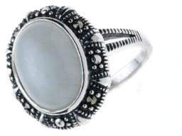Lord & Taylor Oval Jade Ring