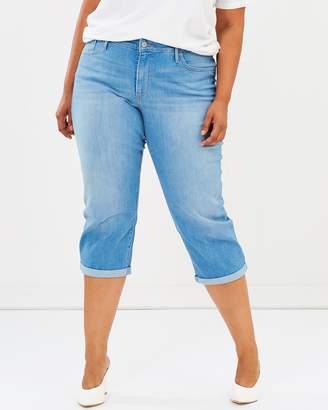 Plus Size Shaping Capri Jeans