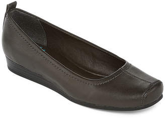 Yuu Imperial Slip-On Flats