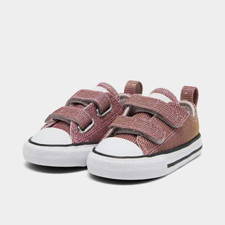Converse Girls' Toddler Chuck Taylor All Star 2V Space Star Low Top Casual Shoes
