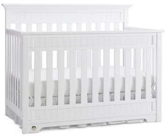Fisher-Price Lakeland Convertible Crib in Snow White