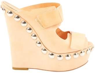 Giambattista Valli Leather heels