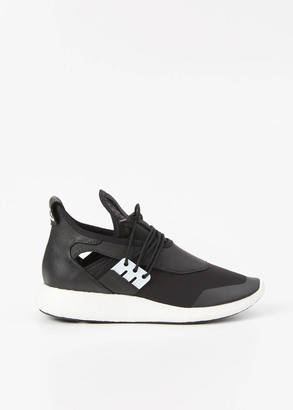 Y-3 core black elle run $350 thestylecure.com