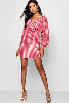 boohoo Gingham Ruffle Sleeve Bodycon Dress