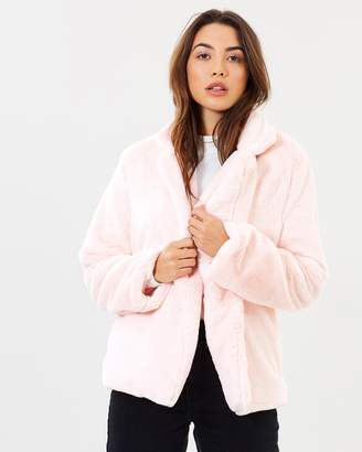 Atmos & Here ICONIC EXCLUSIVE - Kylie Faux Fur Coat