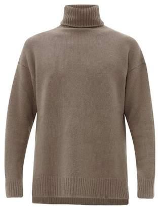 Deveaux - Slit Hem Roll Neck Cashmere Sweater - Mens - Tan
