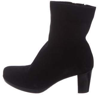 La Canadienne Suede Round-Toe Ankle Boots