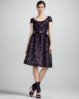 Oscar de la Renta Embellished Lace Cocktail Dress