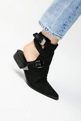 Flat Road Western Boot by Jeffrey Campbell at Free People $178 thestylecure.com